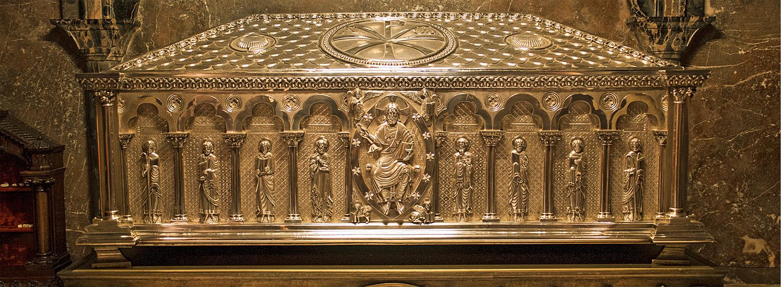 El Sepulcro del Apóstol de la Catedral de Santiago Meta de la Peregrinación Jacobea